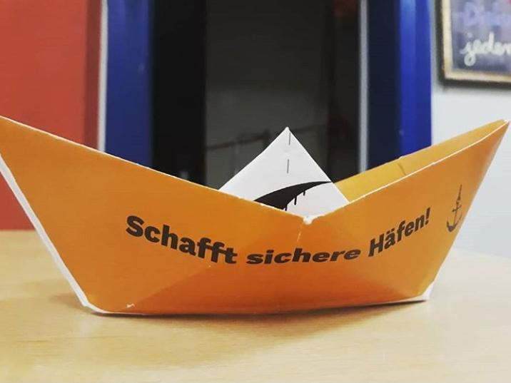 """Bündnis ruft Frankfurter Stadtverordnete dazu auf, die Stadt zum """"Sicherer Hafen"""" für Geflüchtete zu erklären"""
